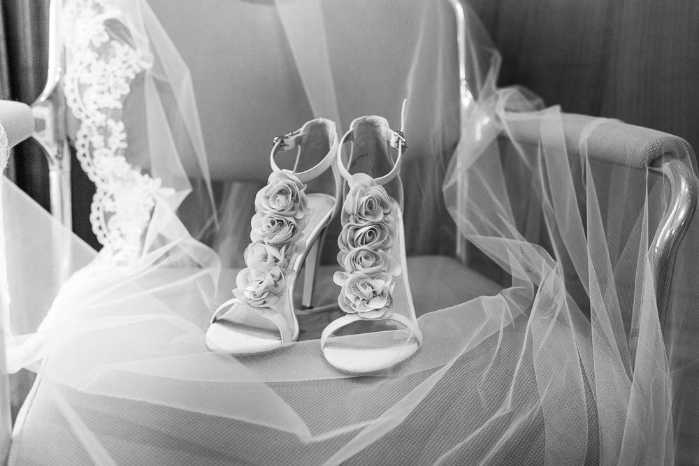 Hochzeitsschuhe closeup von Silke Hufnagel Fotografie Laufach bei Aschaffenburg
